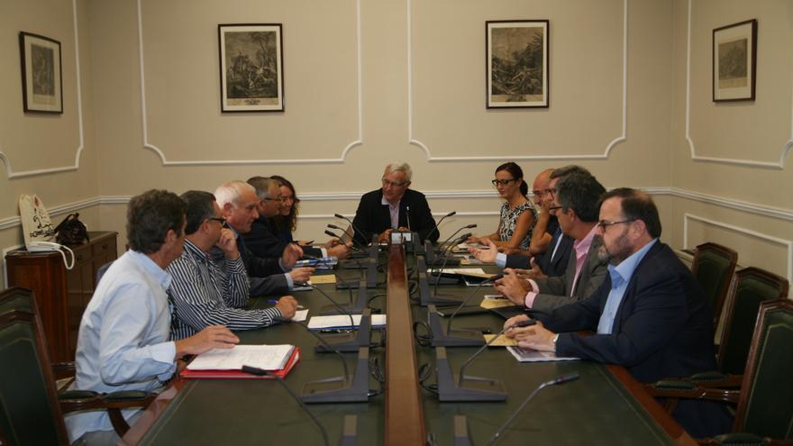 El alcalde de Valencia, Joan Ribó, en la reunión para impulsar el Museu de la Mar