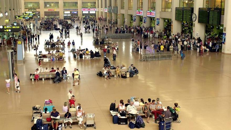 El número de pasajeros del aeropuerto de Málaga desciende un 2,5 % en agosto