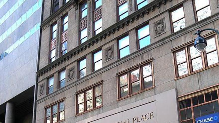 Fachada del One Grand Central Place, donde se encuentra la oficina de Turismo de España en Nueva York.