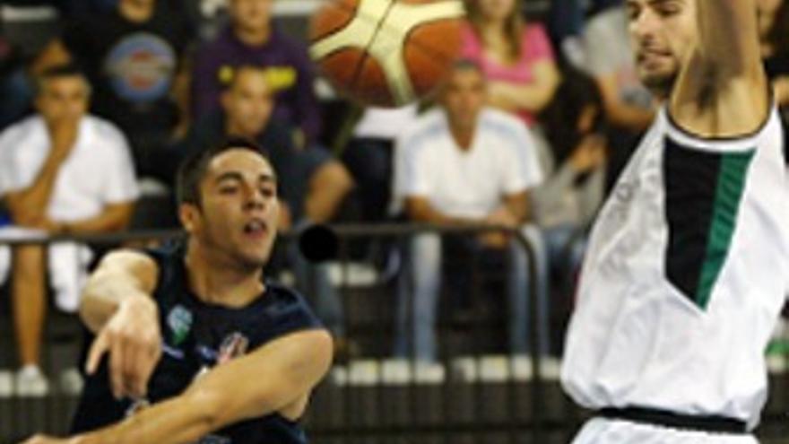 Ale López durante un partido de liga. (UB La Palma)
