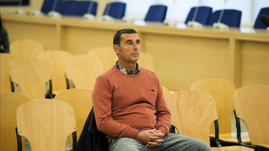 Condenan a 104 años a Narvaéz Goñi por el atentado de la Casa Cuartel de Torremolinos