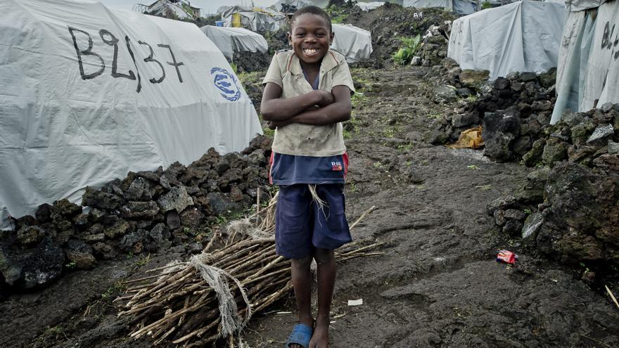 Niño en un campo de refugiados de Congo