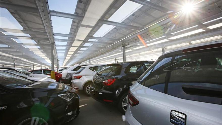 Seat pone a prueba en Barcelona una aplicación que busca aparcamiento