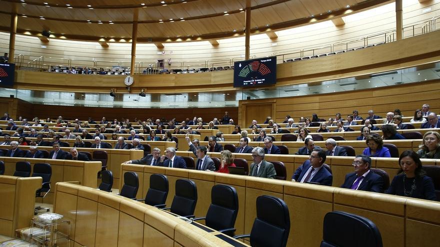 El Senado renueva 50 escaños y abre la puerta de las Cortes a Ciudadanos y Podemos