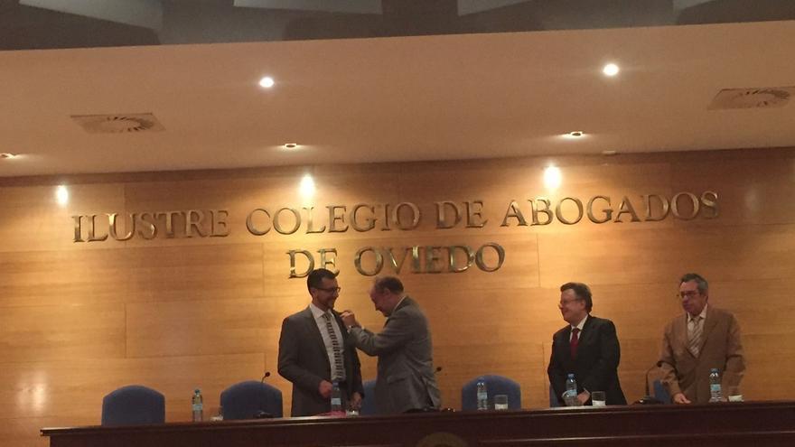 Un profesor de la UPNA ingresa en la Real Academia Asturiana de Jurisprudencia
