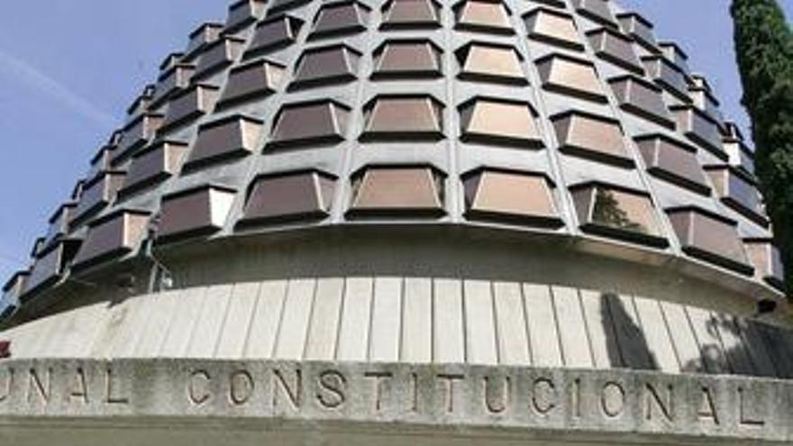 PSOE acepta que el Senado debata si tramita la reforma de la ley del TC