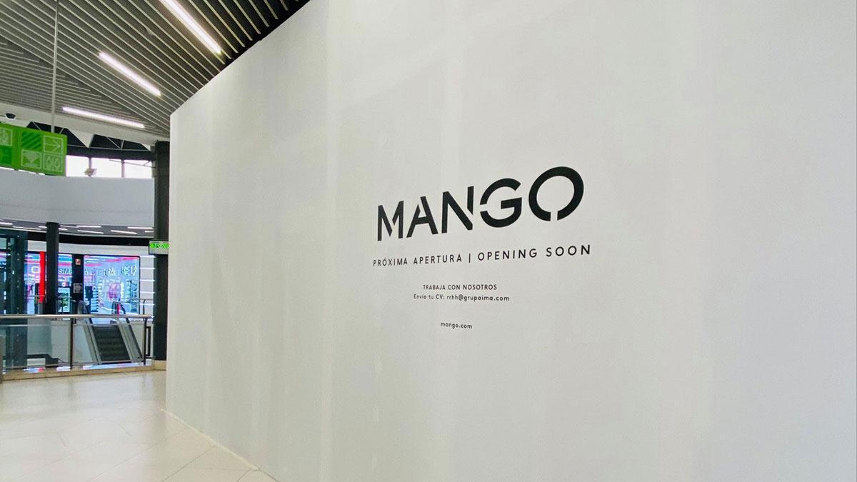 Fachada de la próxima tienda de Mango en el centro comercial La Sierra.
