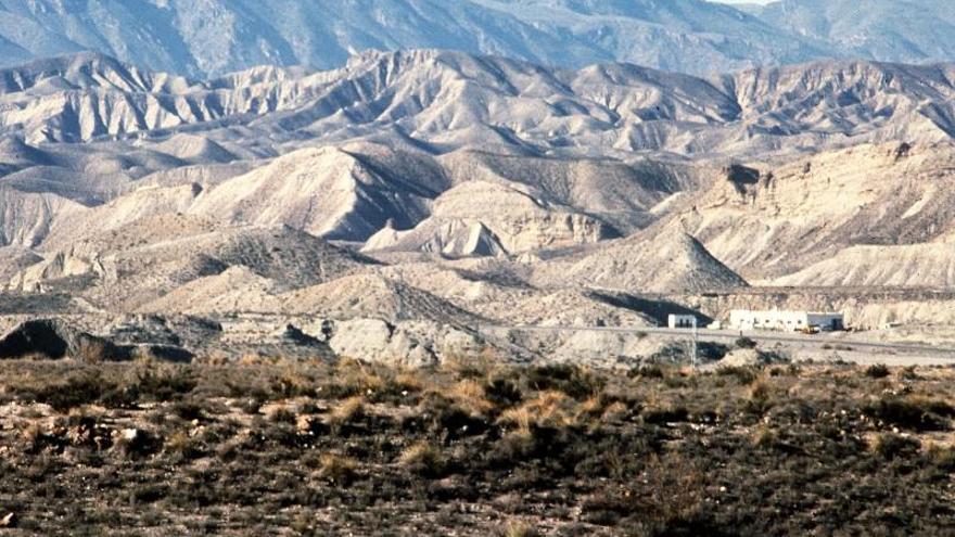 El desierto español de Tabernas, ante el abismo de convertirse en vertedero