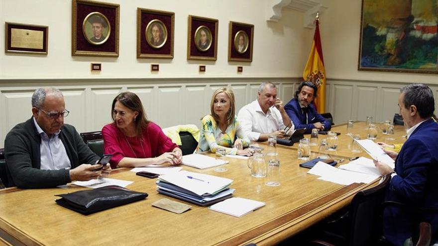 La comisión de estudio de la reforma del sistema electoral del Parlamento de Canarias