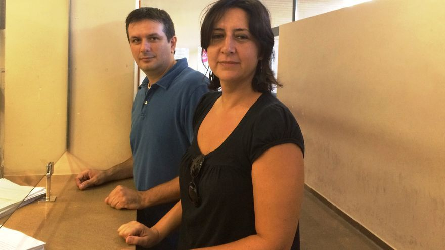 Los ediles de Esquerra Unida en Catarroja Rosa Pérez y Daniel Portillo
