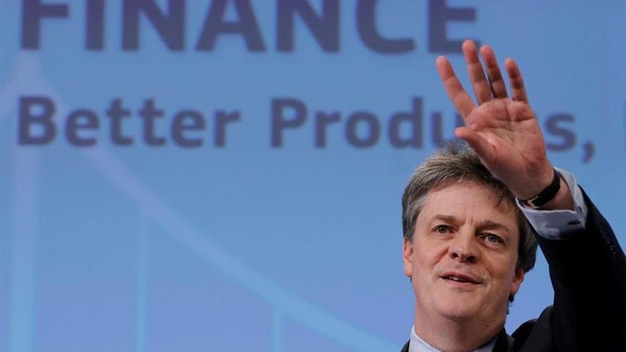 El británico Jonathan Hill dimite como comisario europeo de finanzas