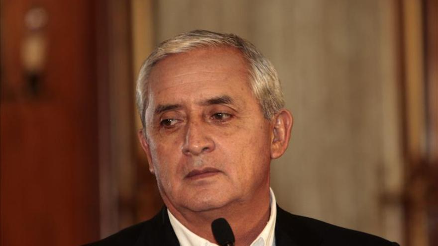 El presidente de Guatemala descarta renunciar por escándalos de corrupción