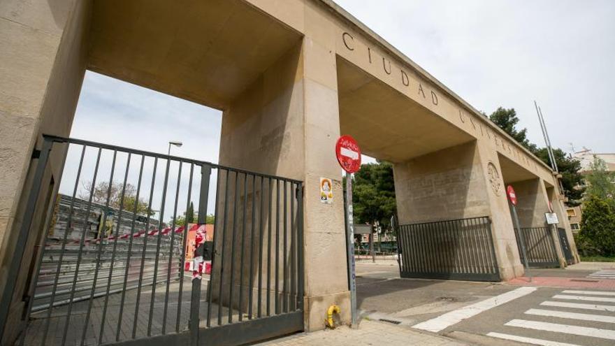 Vista del edificio Interfacultades de la Ciudad Universitaria de Zaragoza este domingo.