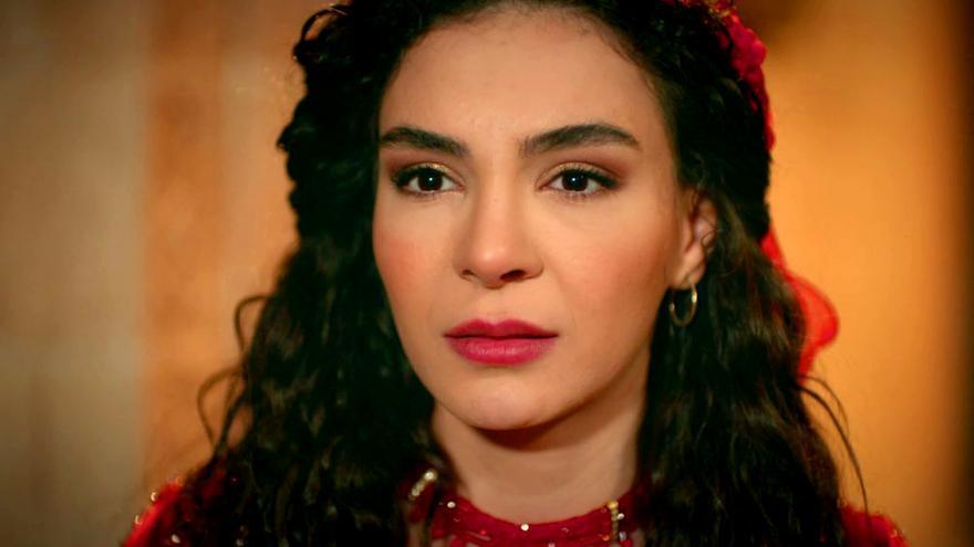 Reyyan, protagonista de Hercai, una de las novelas estrella de Nova