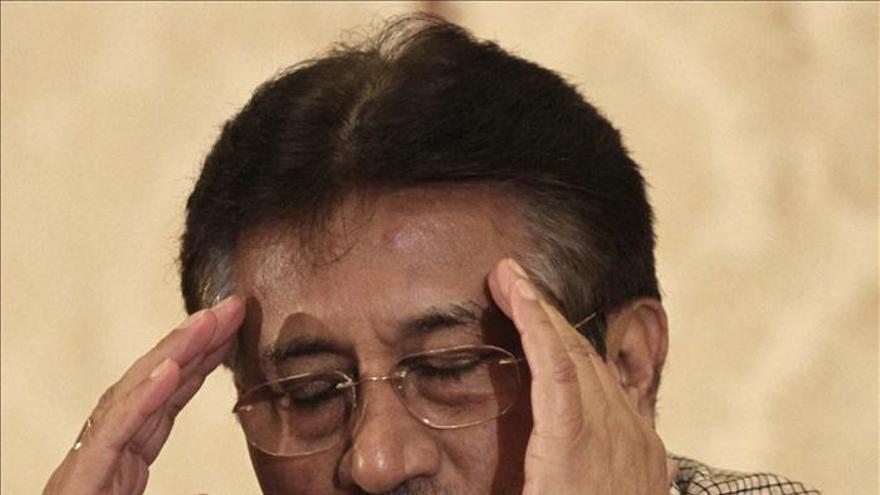 Aceptada parcialmente la petición de Musharraf de juzgar con él a 3 altos cargos