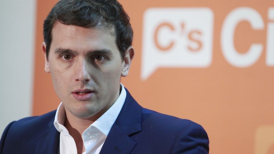 Rivera preguntará a Sánchez a quién apoyará el PSOE tras los comicios si tanto PP como C's pudiesen formar gobierno