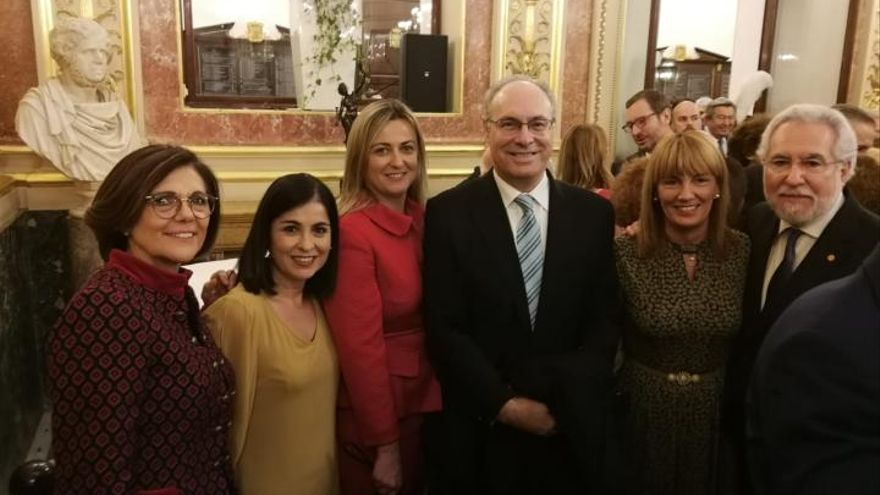 La presidenta de la Asamblea Regional, Rosa Peñalver (izqda), con los presidentes y presidentas de las Cámaras legislativas de Canarias, Extremadura, Andalucía, La Rioja y Galicia
