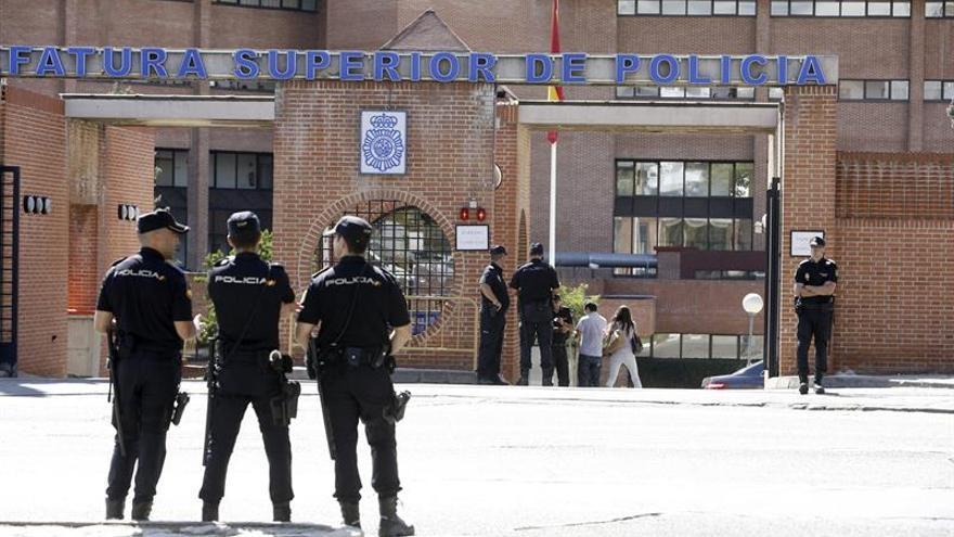 Detenidos 15 menores y un joven por golpear a un niño para robarle