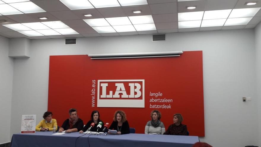 En la esquina de la izquierda, Sonia Rivera y Azucena Gardeazabal, en la esquina de la derecha, Amaia Laconcha y Ainhoa Marigorta