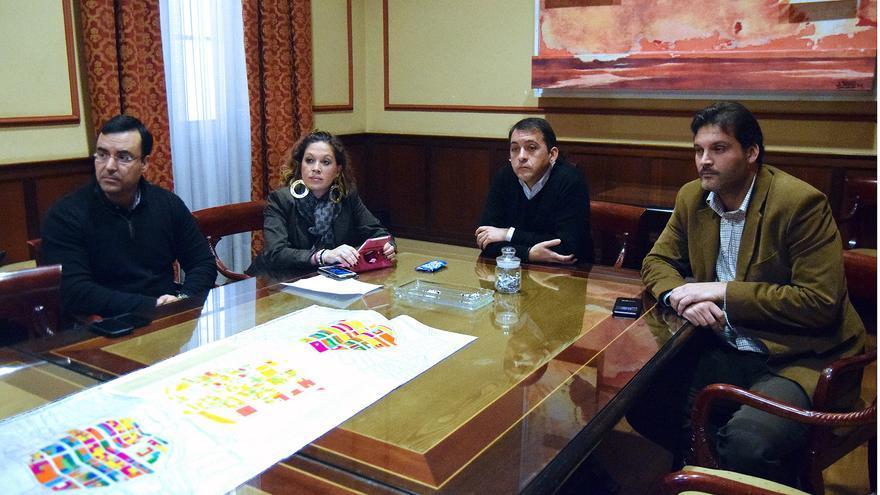 Reunión de Bermúdez y Martín con los técnicos de la Gerencia Municipal de Urbanismo.