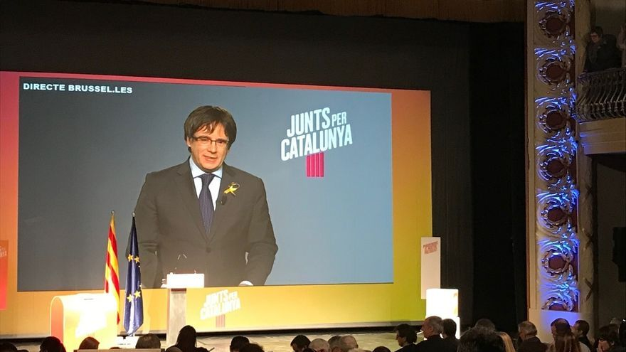 """Puigdemont exige al """"sindicato del 155"""" que aclare si le dejarán ser presidente"""