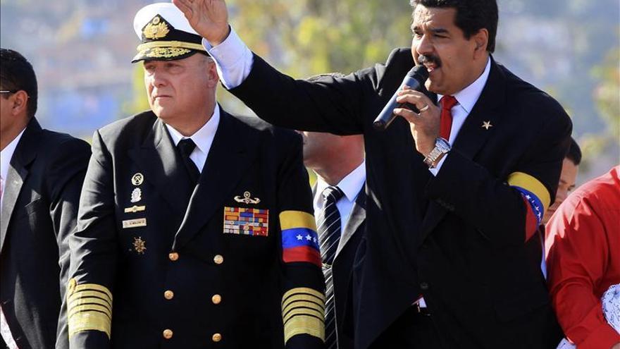 Chávez será embalsamado para siempre como Mao, Lenin y Ho Chi Minh