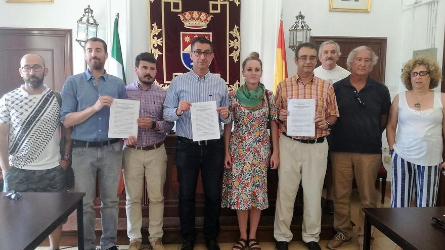 El Ayuntamiento de Barbate exige al Estado ayuda frente a la llegada de inmigrantes