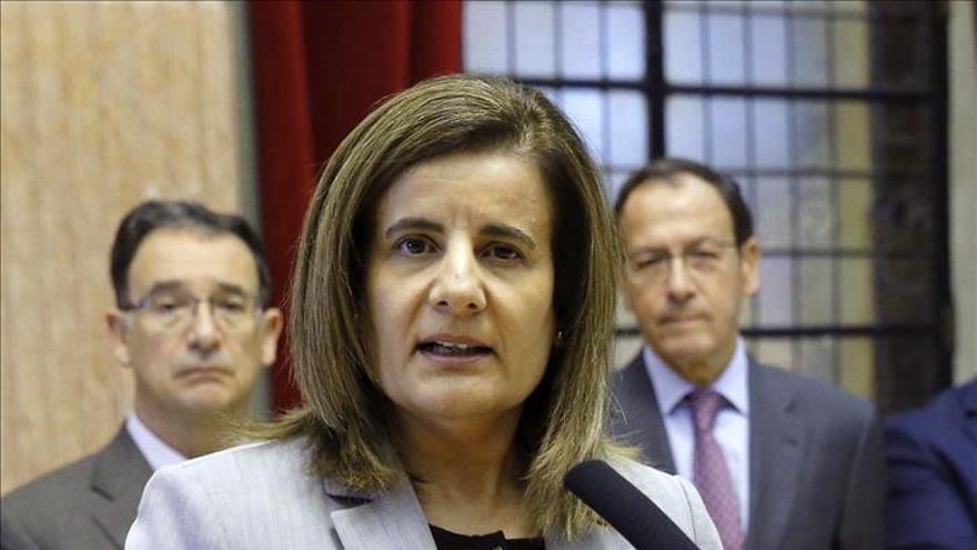 """Báñez dice que la reforma laboral dará """"las mejores alegrías"""" a los españoles"""