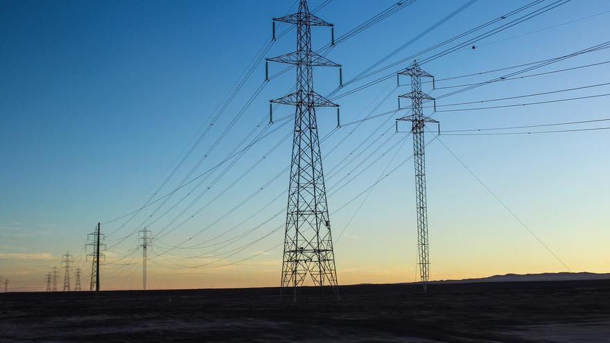 El sistema eléctrico español es muy beneficioso para las compañías y pernicioso para los consumidores