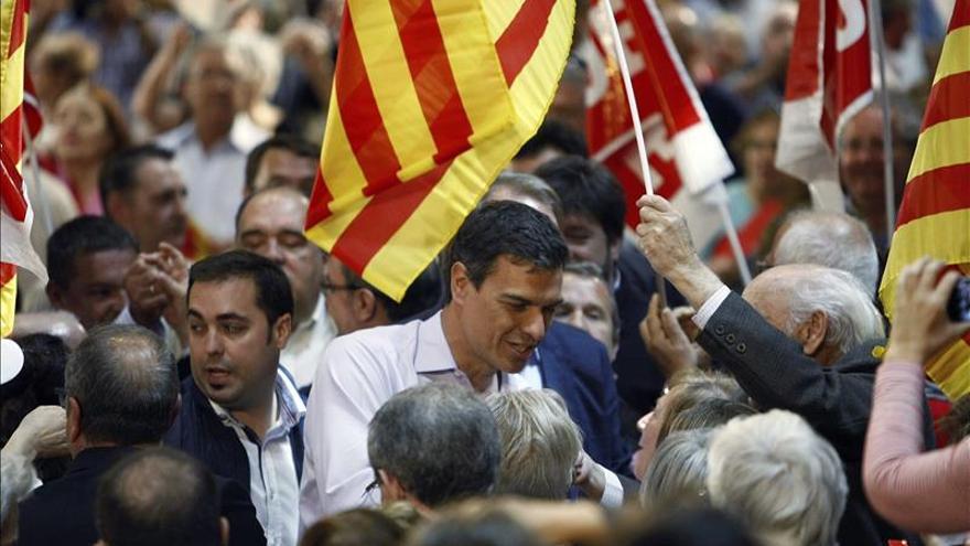 Sánchez afirma que votar al PSOE es decir no a la resignación y sí al empleo estable