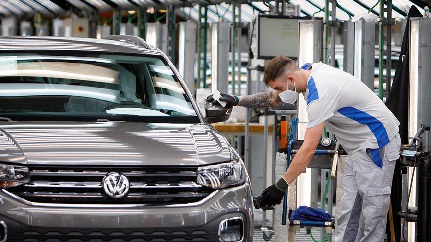1.600 trabajores han retomado la producción en la planta de Volskwagen Navarra
