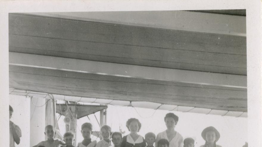 Niños del 'Winnipeg'. // Biblioteca Nacional de Chile.