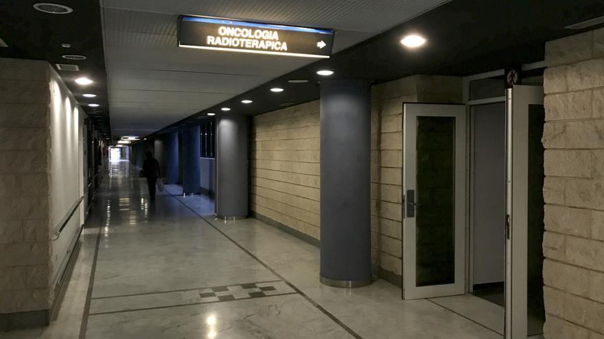 Entrada al servicio de Oncología Radioterápica del Hospital Doctor Negrín. (CANARIAS AHORA)