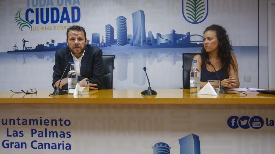 Itahisa Chávez, geógrafa y experta en Mediación Urbana y Sociología del Espacio junto al director general de Movilidad del Ayuntamiento, Heriberto Dávila