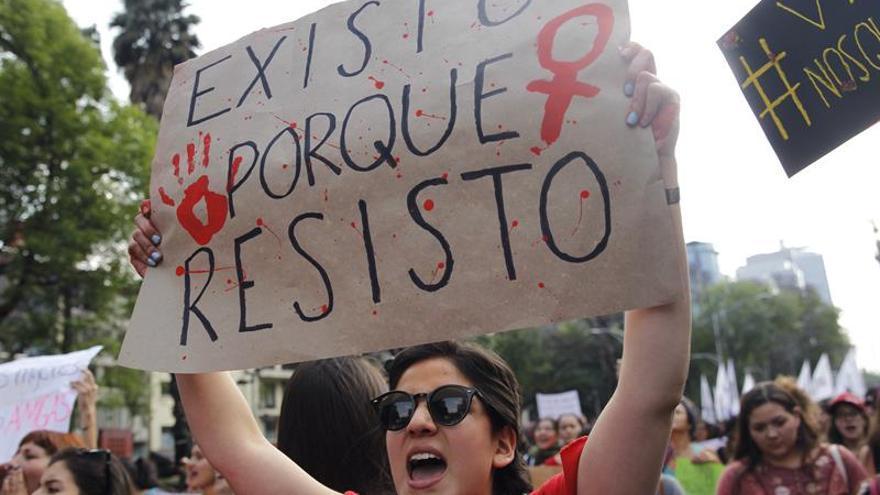Las mujeres marchan para exigir atención gubernamental a los feminicidios en México