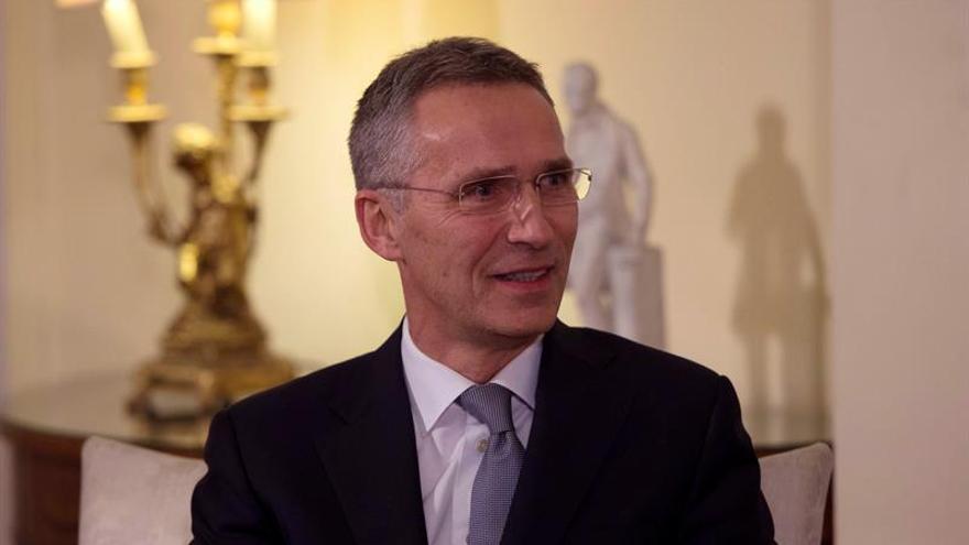 Stoltenberg descarta que el referendo cambie la posición de Italia en la OTAN