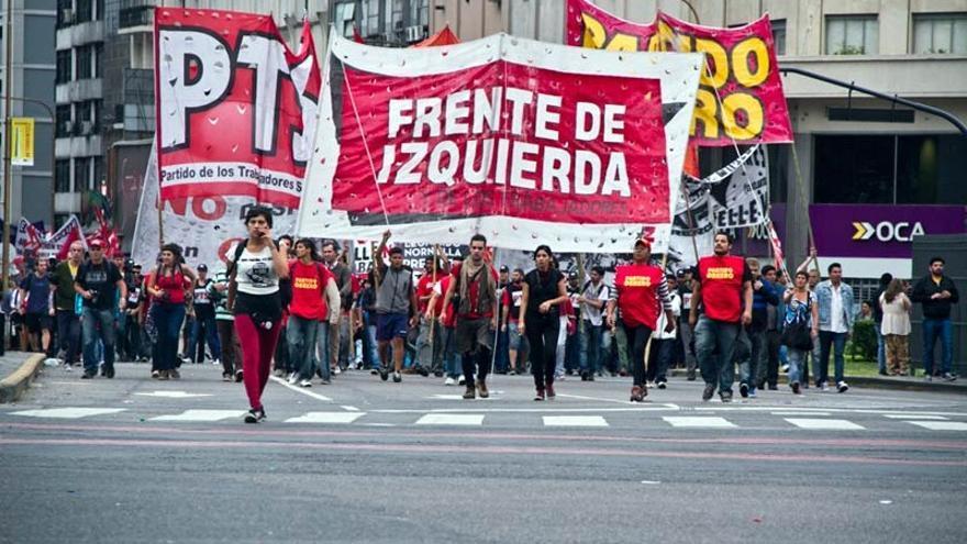 Imagen de una marcha del Frente de Izquierda y de los Trabajadores.