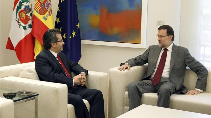España y Perú constatan las buenas relaciones y estudian cómo seguir cooperando