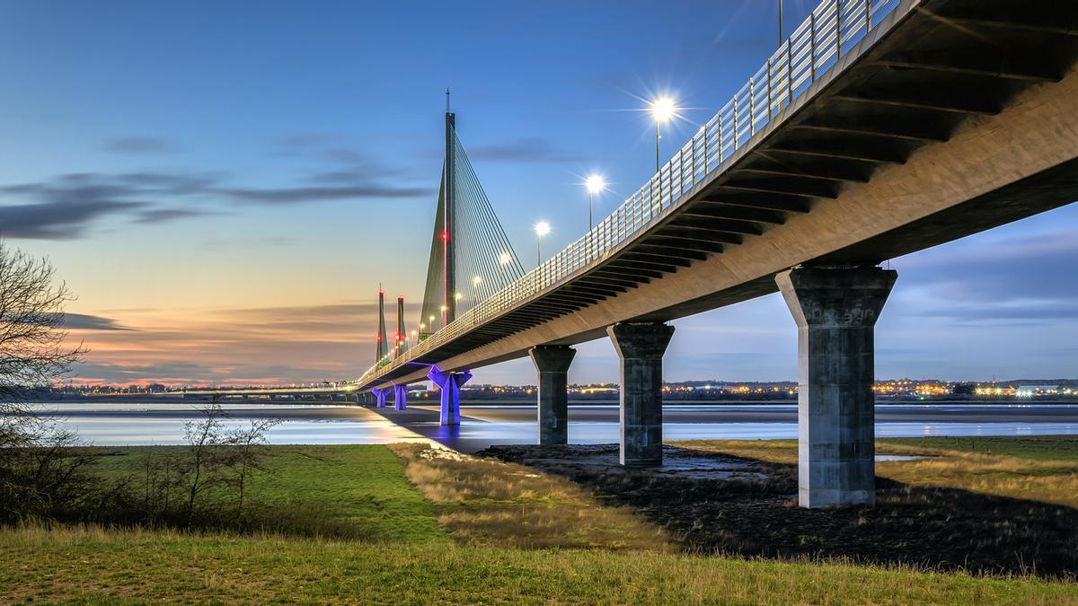 Vistas del puente Mersey en Reino Unido.