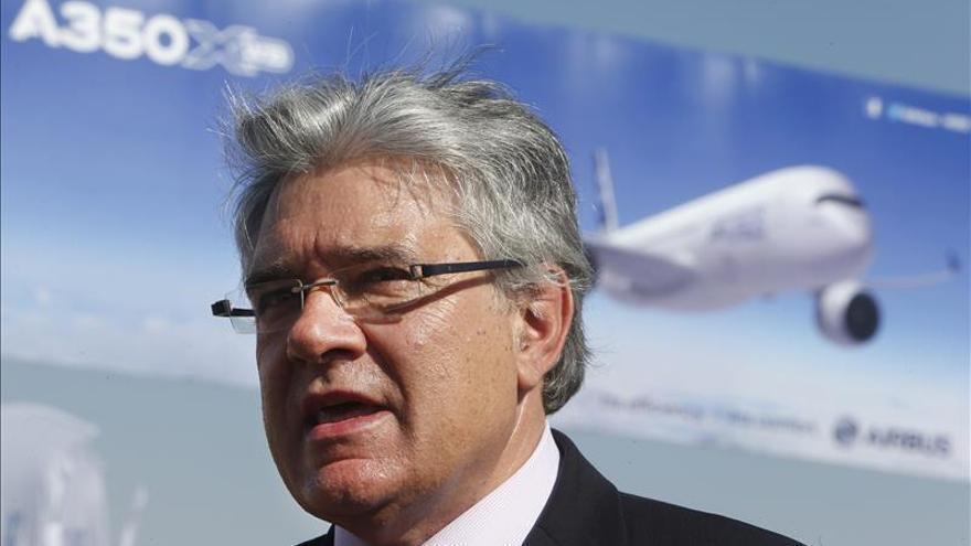 La compañía Airbus entrega a la aerolínea chilena LAN el avión número 500 en América Latina