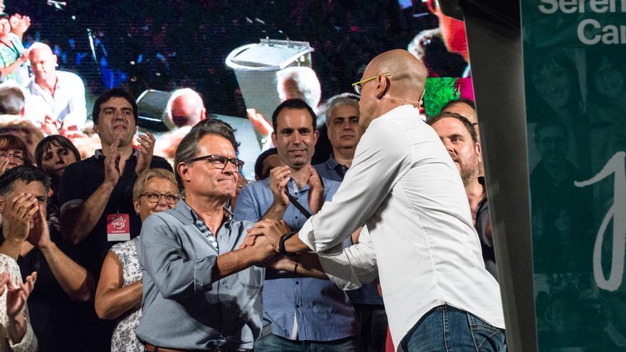 Artur Mas y Raül Romeva en la Fiesta del Candidato de Junts pel Sí. / SANDRA LÁZARO