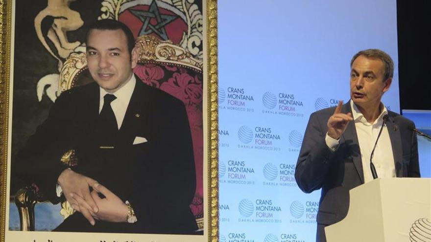 """Zapatero defiende su presencia en el Sáhara por la """"pluralidad"""" del foro marroquí"""