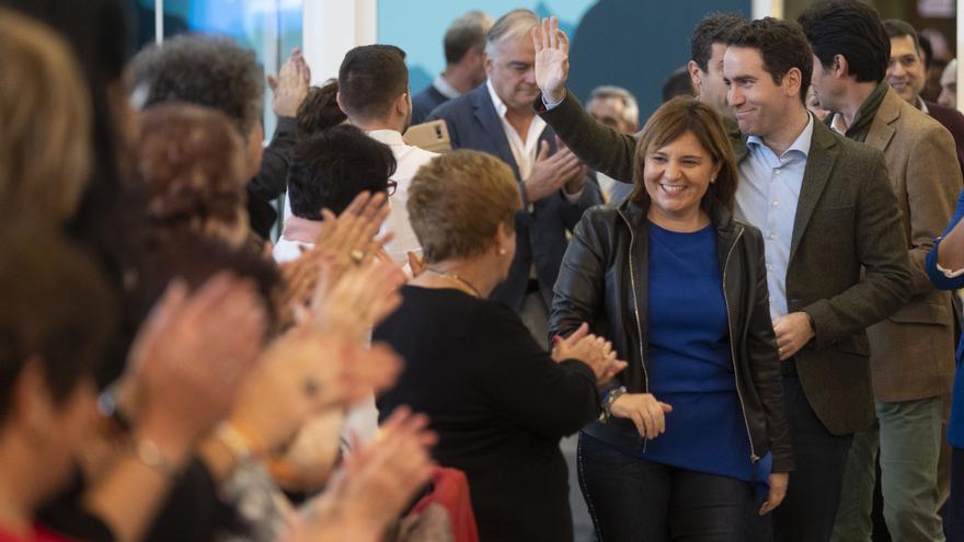 La presidenta del PP valenciano, Isabel Bonig, y el secretario general del PP nacional, Teodoro García Egea.