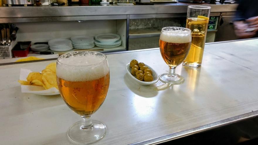 Cervezas y tapas en El Palentino (archivo) | SOMOS MALASAÑA