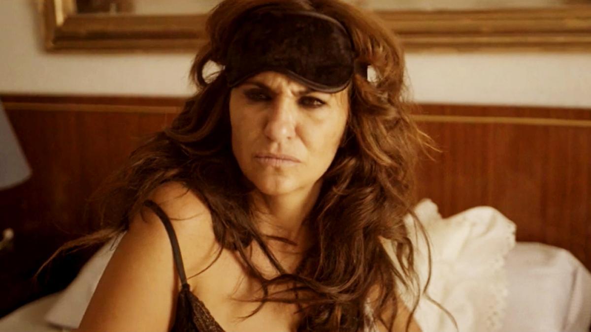 Melanie Olivares, en el tráiler de 'La reina del pueblo'