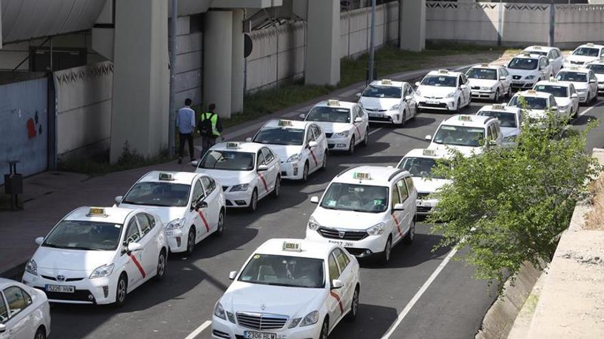 """Fedataxi dice que la única forma de mejorar el sector del taxi es """"competir"""""""