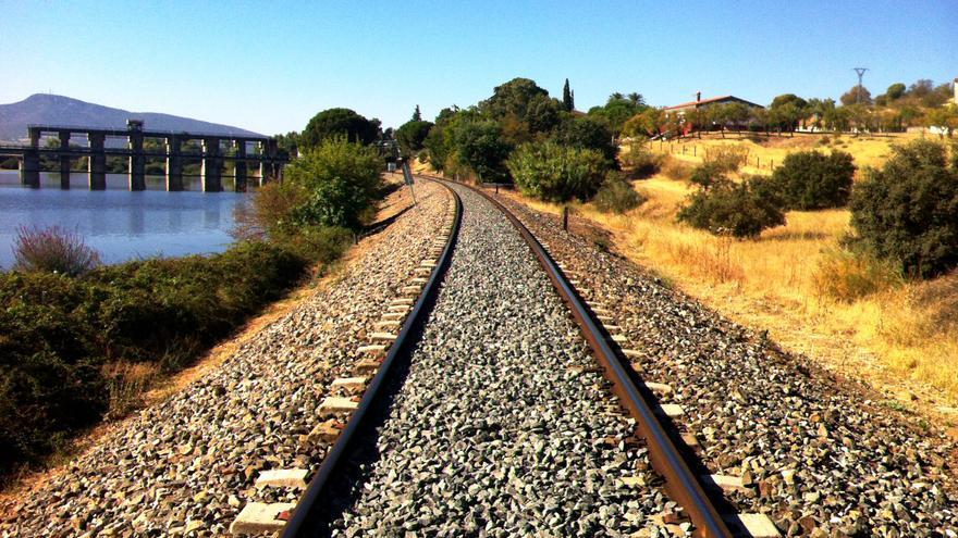 Vía ferrocarril Extremadura