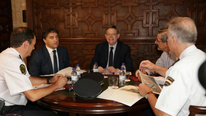 El secreario autonómico de Turismo, Francesc Colomer, reunido con el president de la Generalitat, Ximo Puig