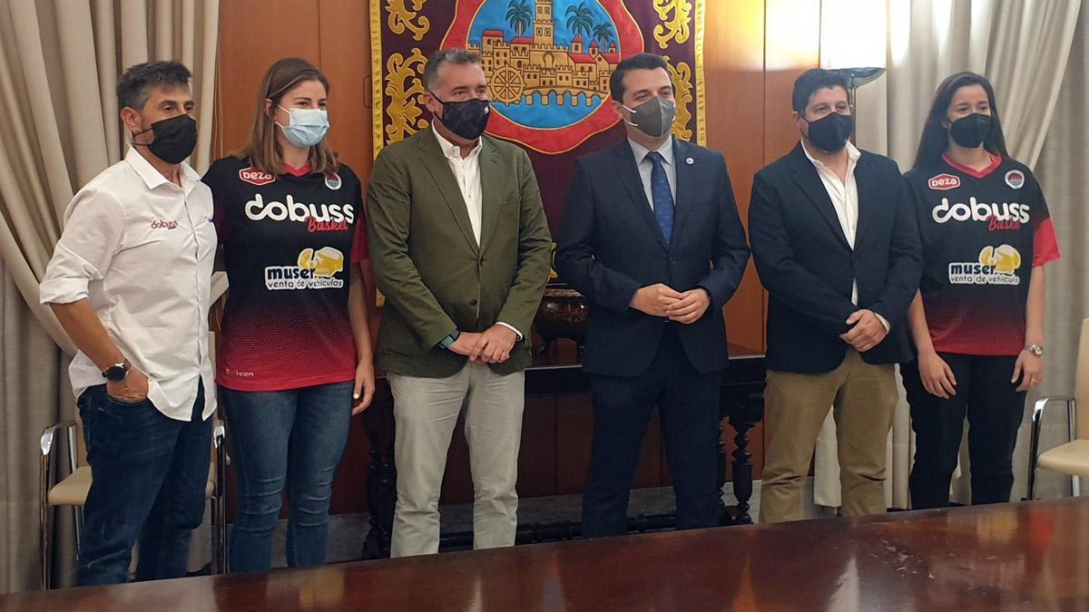 Recepción municipal al Dobuss Córdoba