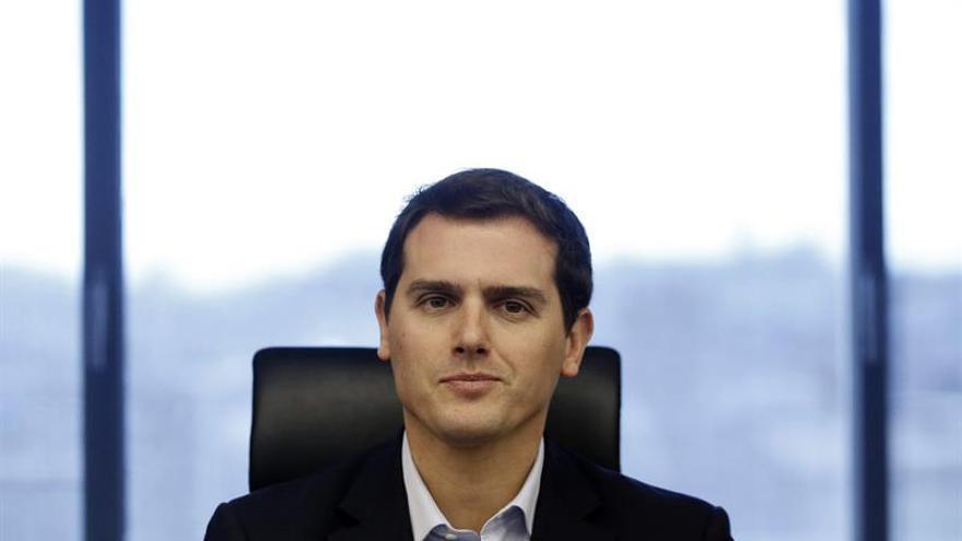 Rivera advierte de que Barcelona perdería muchos empleos si se va el Mobile